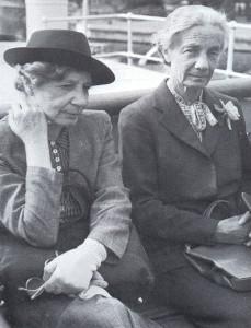 Elin och Ester i Grekland 1937