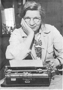 EW med skrivmaskin, stor