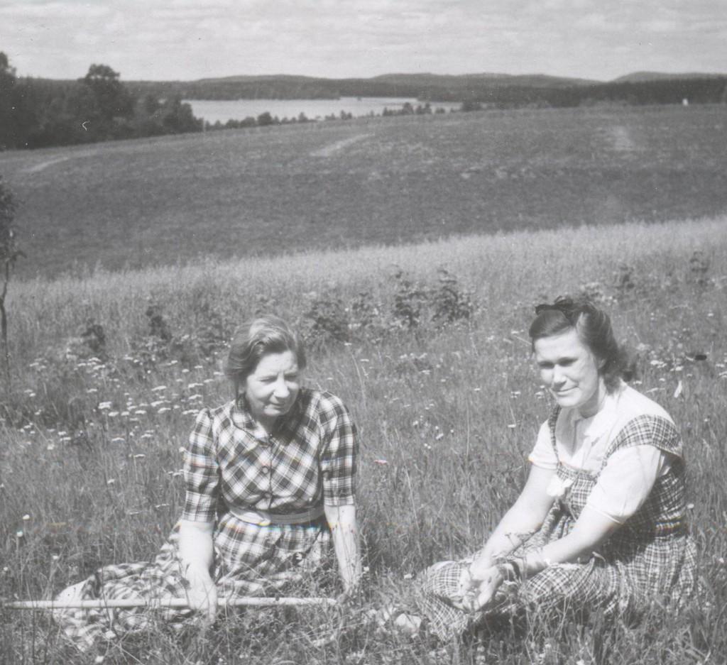 EW och Rut Hamrin-Theorell 1944 001 - Kopia