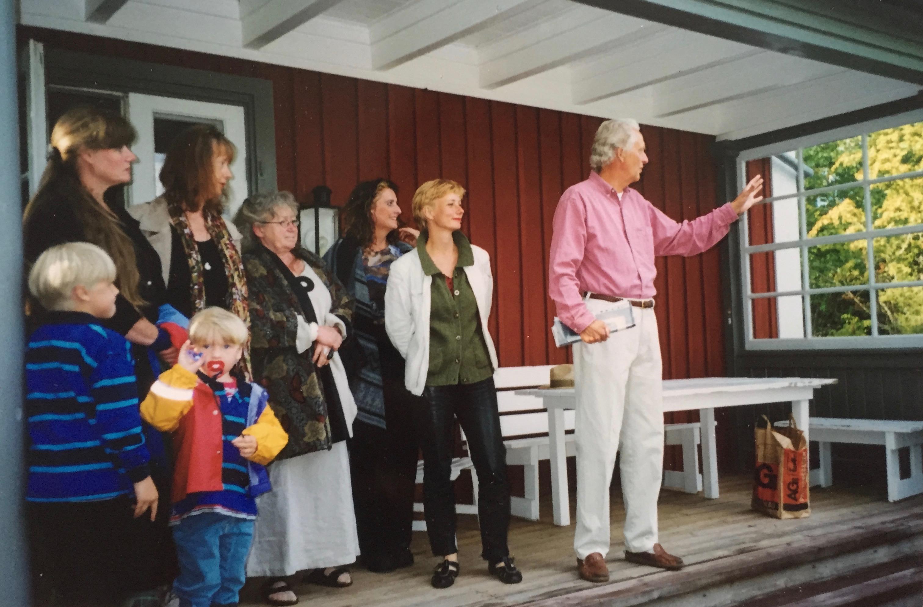 PO Swartz o Liselotte Henriksen, Lena Cedergren, Birgitta Wennerling, Birgitta Stenberg, Karin Lind och Joanna Troikowicz.