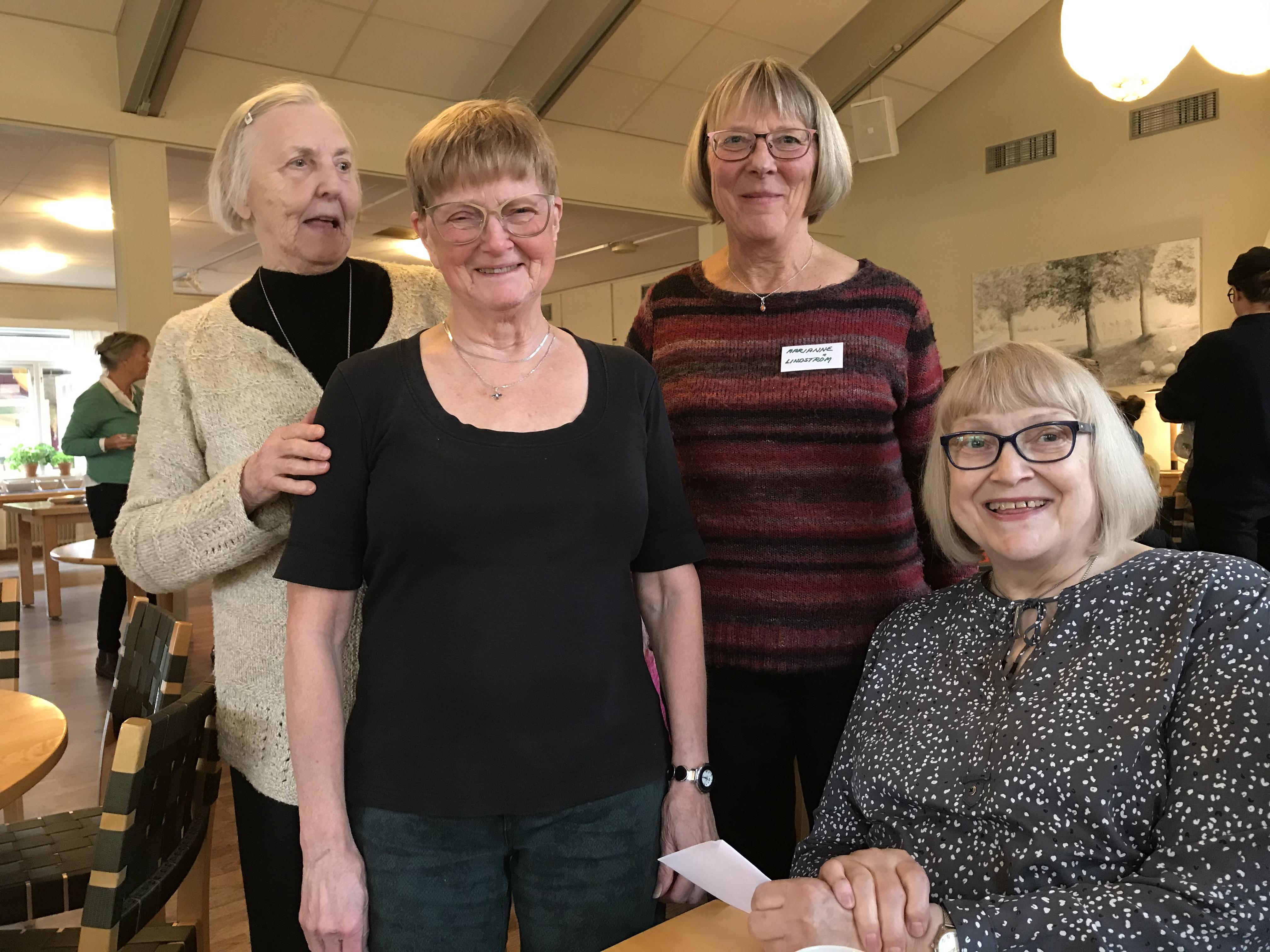 Göteborgsdamerna från Bokmässan Ragnhild, Mona, Marianne med ordförande Ann-Margreth
