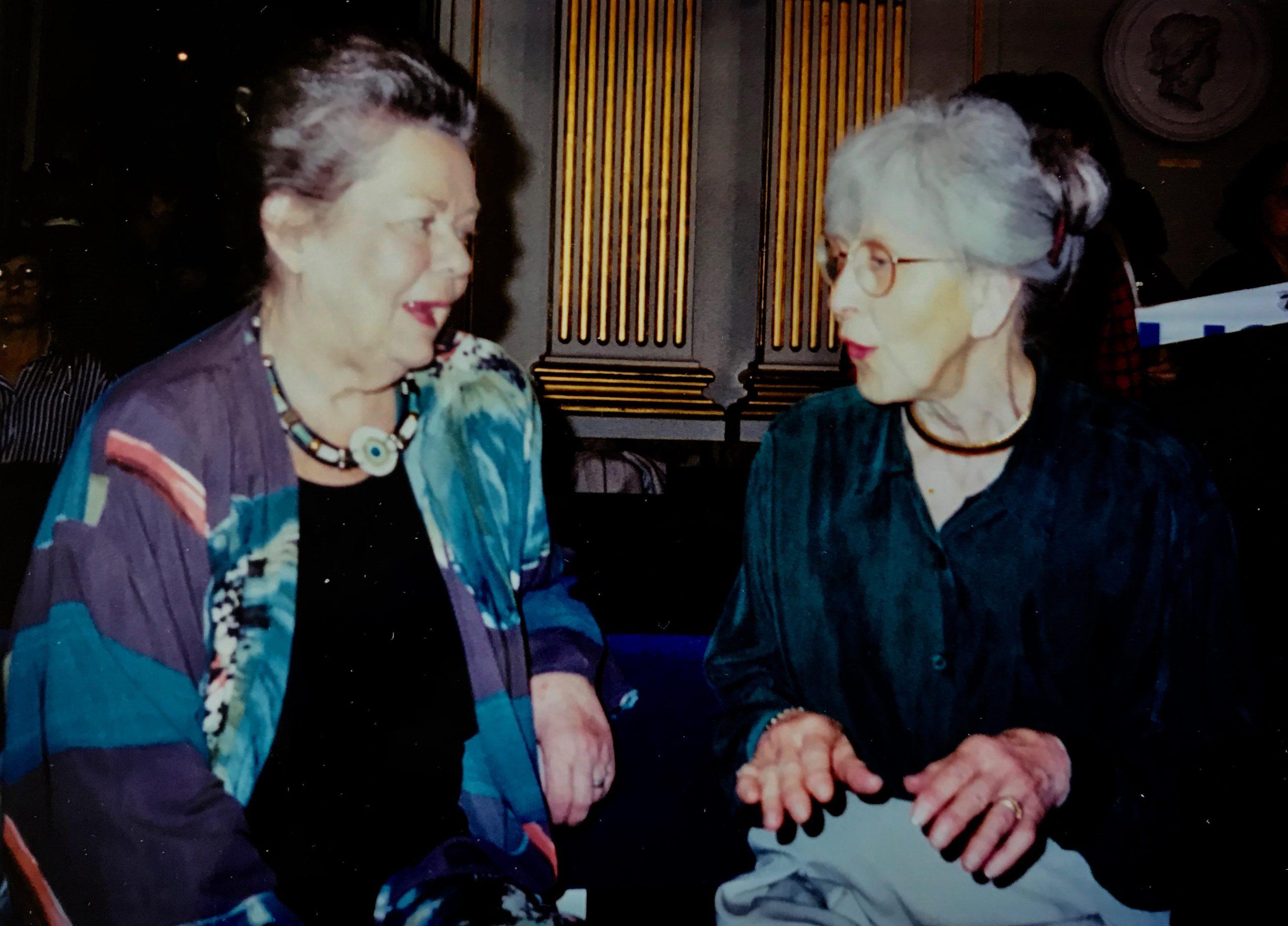 Ulla Isaksson o Märta Schlecker